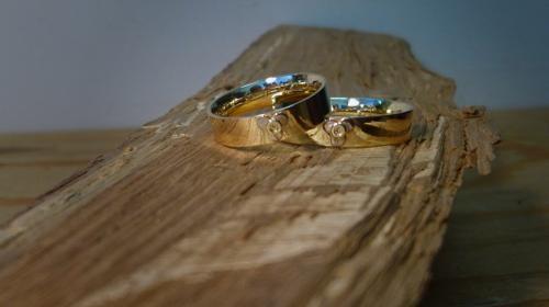 Trouwringen 25 jaar getrouwd.