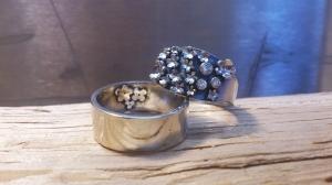 Trouwring in zilver met Diamant.